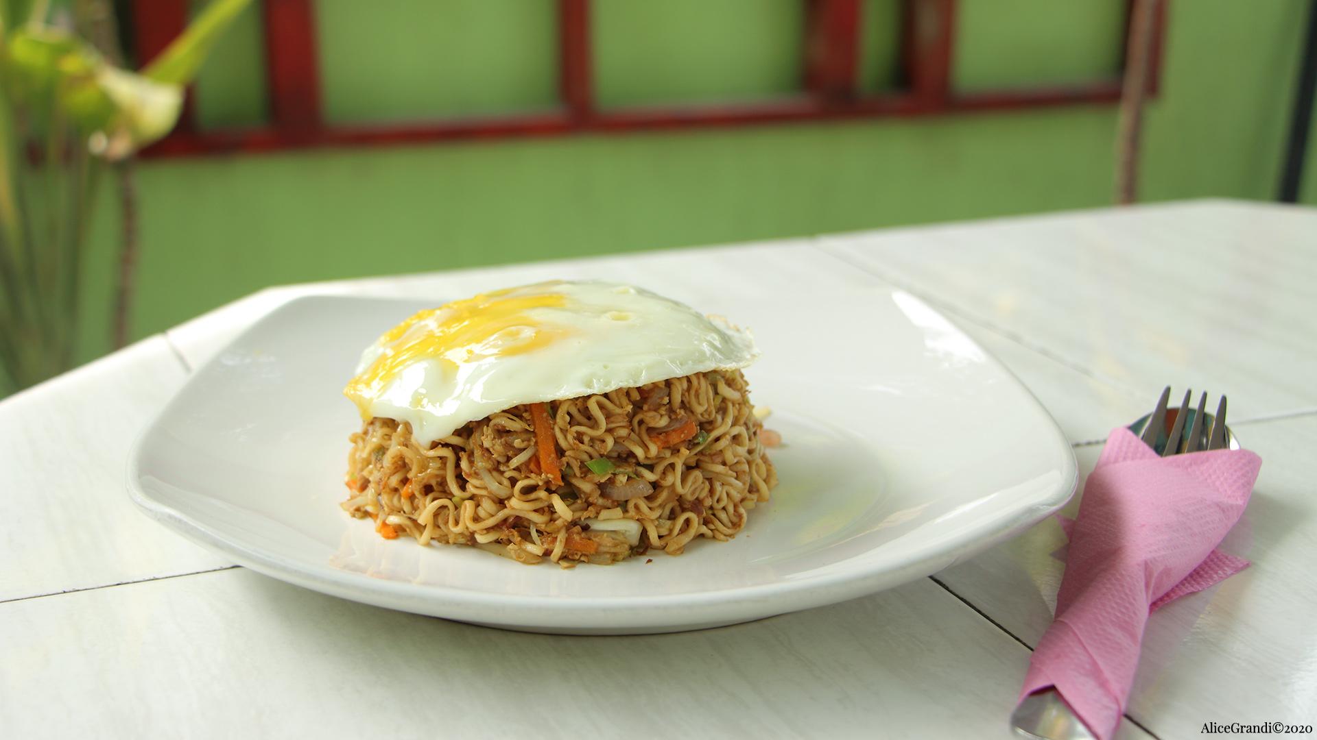 Ricetta Noodles Uova.Noodles Con Verdure E Uovo Ricetta Maldiviana Ricettevegolose